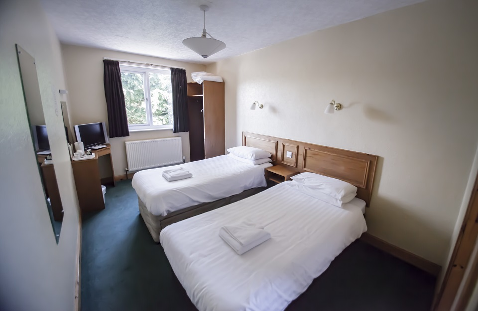 kinmount hotel twin room